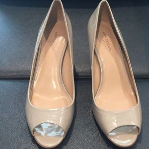 Ann Taylor taupe toes showing heels size 10m